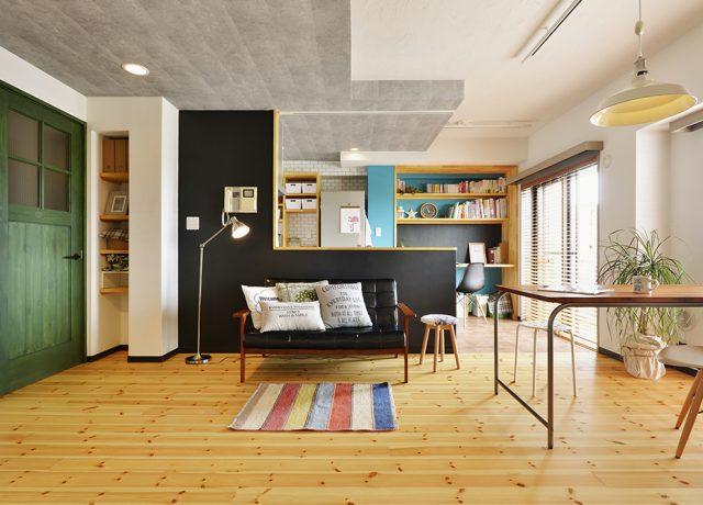 アウトドアを楽しめる大容量の収納スペースとカラーが愉しめる家