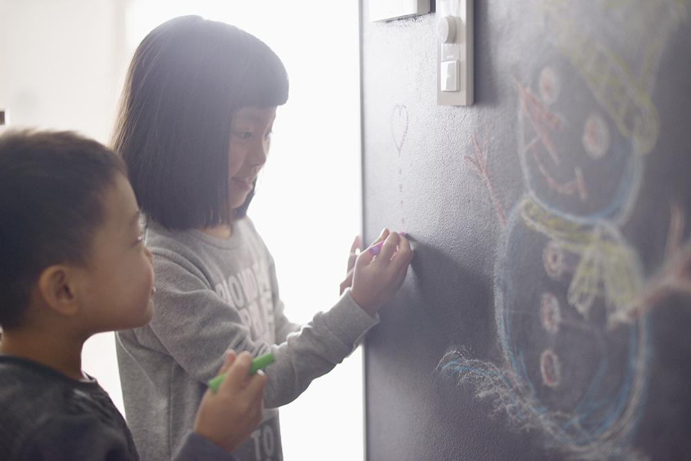 お気に入りは 「タイル、黒板にお絵かき出来るところ」